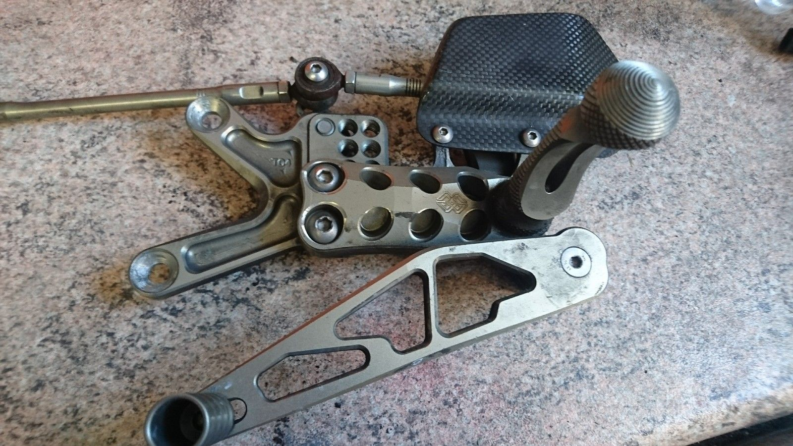 Reduced Price* Carbon bits, ASV levers, gilles rearset and
